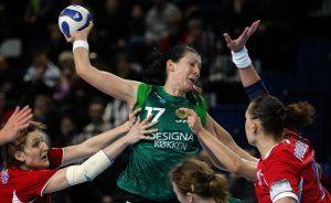 Bojana Popovic playing for Viborg