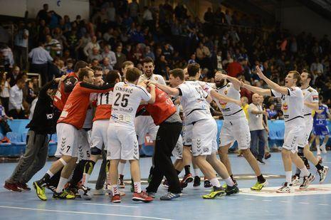 Vardar_celebrate_465.jpg