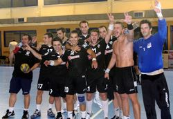 PAOK players thank the fans