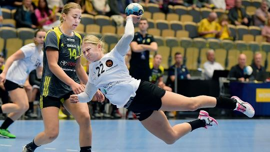 Blomstrand helps Kobenhavn to dream start