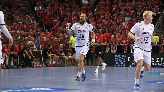 Flawless Kiel hand Jicha first win in Europe