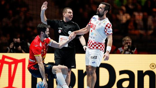 24 VELUX EHF Champions League stars on court at EHF EURO 2020 final