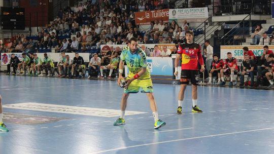 Strong second half gives Saint-Raphaël first success