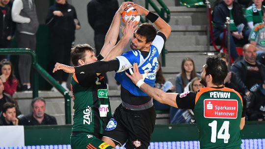 Hannover keep their hopes alive with a win over Rabotnik