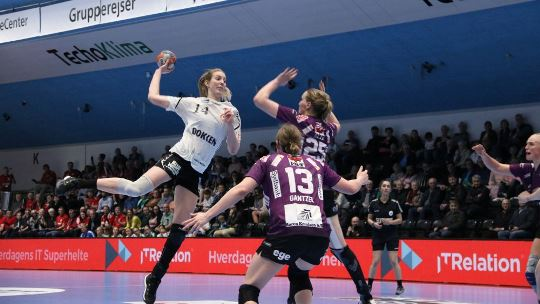 Esbjerg and Siófok reach Women's EHF Cup Final