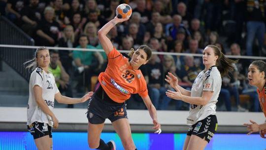 Title holders Siófok start with victory; no winner in Danish derby